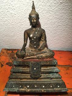 Sitting Bangkok bronze Buddha with stone inlay. Handmade Art, Asian Art, Bangkok, Buddha, Thailand, Bronze, Statue, Antiques, Antiquities
