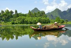 Explore Vietnam on a small-group tour with Smithsonian Journeys. Sail through Ha Long Bay and visit Hue, Hoi An, Hanoi, and Ho Chi Minh City. Visit Vietnam, Vietnam Tours, Vietnam Travel, Mekong Delta Vietnam, Delta Du Mekong, Angkor Vat, Angkor Temple, Ho Chi Minh Ville, Ho Chi Minh City
