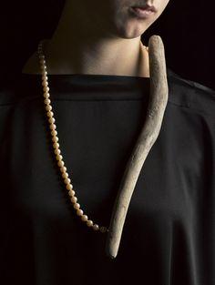 LINDA VANNIEKERK Neckpiece: Nature, Nurture 2013Tasmanian Wilderness Driftwood, Cultured PearlsImage : Peter Whyte