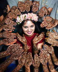 tips for indian wedding photography Indian Wedding Poses, Indian Wedding Couple Photography, Tamil Wedding, Mehendi Photography, Bride Photography, Photography Ideas, Pre Wedding Photoshoot, Wedding Pics, Funny Wedding Poses