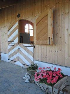 Schloss Amerang: Loving the chevron   And the lighter colours