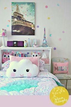 Такая милая обстановка комнаты))