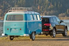 Oregon's Dub Box is one of the latest travel trailer brands to hop on this trend with their introduction of Dinky Dub, a modular and compact trailer that boasts the stylish look of the iconic Volkswagen Bus with a modular twist. The Dinky Dub is a. Tiny Camper, Small Campers, Popup Camper, Camper Van, Camper Trailers, Travel Trailers, Volkswagen Bus, Vw T1, Outdoor