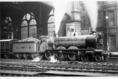 Glasgow Central Station: CR 61 preparing to depart with the to Liverpool on 2 October 1920 Glasgow Central Station, Train Light, Steam Railway, Vintage Architecture, Train Stations, British Rail, Train Engines, Glasgow Scotland, Light Rail