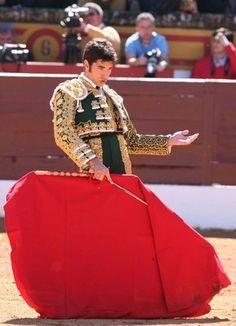 Diego Ruiz prima di arrivare al Six Senses era un torero - Cerca con Google
