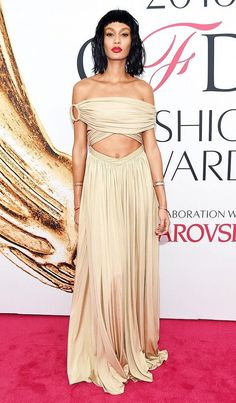 cec38fcdbf 2016 CFDA Awards  See All the Best Looks2016 CFDA Awards  Ses