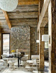 Jurnal de design interior - Amenajări interioare : Amenajare modernă într-o impresionantă cabană din Montana