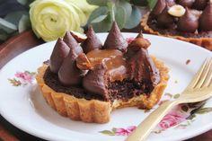 Kávés-mogyorós-sós karamellás pite – Ízből tíz Nutella, Tart, Cheesecake, Low Carb, Sweets, Snacks, Cookies, Recipes, Food