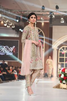 Sara Rohale Asghar Dresses Bridal Couture Week 2015 Images