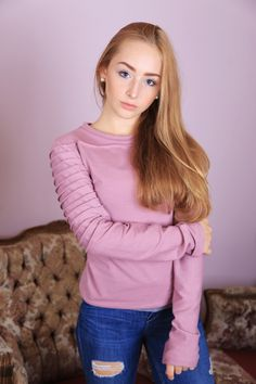Old pink quilted sleeve top Indie, High Fashion, Pink, Turtle Neck, Sweatshirt, Tops, Sleeves, Sweaters, Collection