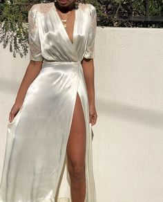 Stunning antique ivory 100 % silk wrap dress with side buckle closure and beauti. de soire Stunning antique ivory 100 % silk wrap dress with side buckle closure and beauti. Women's Dresses, Satin Dresses, Pretty Dresses, Beautiful Dresses, Dress Outfits, Evening Dresses, Dress Up, Fashion Outfits, Formal Dresses