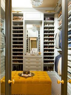 It's not about trends with interior design expert Nate Berkus, who believes in surrounding ourselves with things that we genuinely like and have meaning. Here are some of our favourite rooms by Nate Berkus that show off that aesthetic. Master Closet, Closet Bedroom, Closet Space, Shoe Closet, Master Bedroom, Man Closet, Closet Doors, Closet Bench, Bathroom Closet