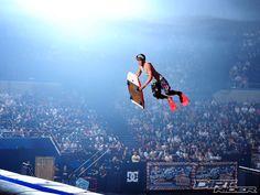 Bodyboarders inventando um novo esporte... :)