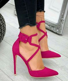 Nice pink shoes with dark jeans Nice pink shoes with dark jeans Pink Shoes, Hot Shoes, Women's Shoes, Me Too Shoes, Shoe Boots, Pink Pumps, Hot Pink Heels, Pink High Heels, Designer Shoes