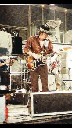 Stevie and Double Trouble performing at the Montreux Jazz Festival - July Guitar Pics, Cool Guitar, Texas Flood, Montreux Jazz Festival, William Christopher, Blues Artists, Stevie Ray Vaughan, Neil Young, Blues Rock