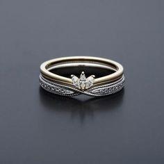 maison rubus: i believe the designer is yukiko sakamoto-kobayashi, and this ring is beautiful.