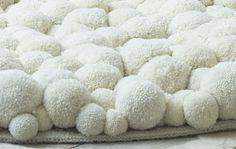 Pom Pom Carpet for Shabby Chic Diy Idea!