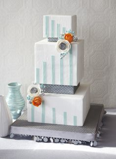 """Art deco cakes are in this year. Cake by J'Adore Cakes Co. Blog post: """"New 2012 wedding cake trends"""""""