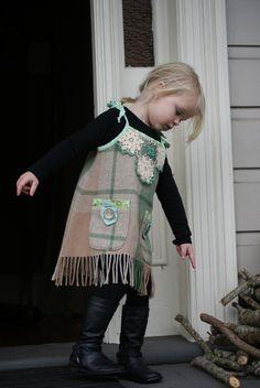 Fabulous child's dress Wool Blanket, Creative Ideas, Repurposed, Blankets, Kids Fashion, Plush, Crafty, Knitting, Sewing