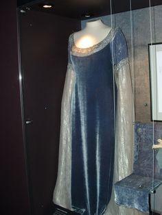 My favorite Arwen dress from LOTR!