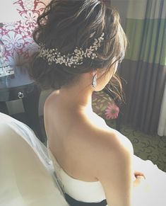 Pin by ちー on ブライダルヘア in 2019 Flower Crown Hairstyle, Crown Hairstyles, Bride Hairstyles, Short Hairstyles, Short Hair Styles Easy, Short Hair Updo, Curly Hair Styles, Unique Wedding Hairstyles, Hairdo Wedding