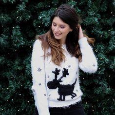 Je déclare la dernière ligne droite avant Noël ouverte 🎄 C'est LA semaine du pull de noël les gars il faut tout donner 😅 . . . . . . . . #laboîteàblogueuses #igptg #parisienne #plig #pligfr #igersparis #igersfrance #blogger #fashion #ootd #outfit #outfitoftheday #lookdujour #fashionblogger #fashionist #blogocrew #upef #parismonamour #beret #pligcember #christmas #christmastree #christmassweater #pulldenoël
