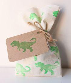 DINOSAUR Party Favour Bags  green DINOSAUR dinosaur tag