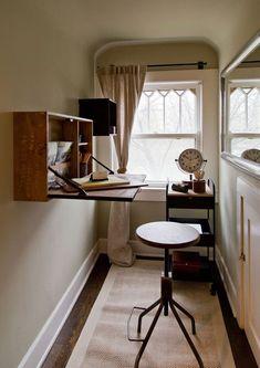 estación de trabajo cocina Industrial Home Offices, Industrial House, Tiny Apartment Living, Drop Down Desk, Small Dining Area, Home Instead, Folding Desk, Simple Desk, Wooden Desk