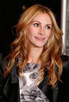 I love the color of her hair!!! I think my friend Amy, should do this color!
