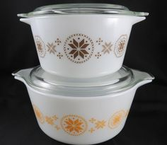 2 Pyrex Town and Country Casseroles with Lids - 474 1 1/2 Quart & 473 1 Quart Cinderella Hex Version 2 by CheekyBirdy on Etsy