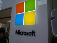 Microsoft on Thursday unveiled a new Corporate Logo after Quarter of Century. Microsoft has launched this New Microsoft LOGO just before the official launch of Microsoft Window 8.