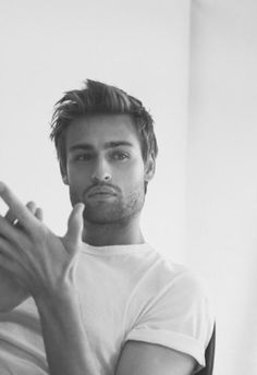 Douglas Booth and those fin lips Handsome Celebrities, Boy Celebrities, Actors Male, Hot Actors, Beautiful Boys, Beautiful People, Harry Potter, Douglas Booth, Le Male
