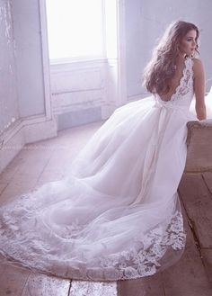 Romantic perfection. I usually prefer form fitting dresses but I think I could say yes to this dress