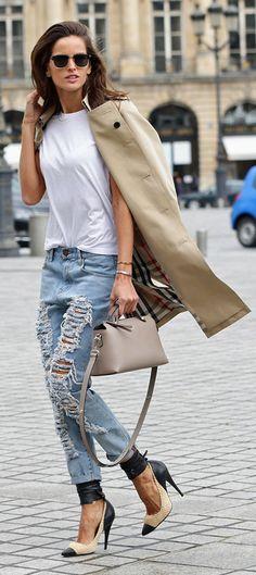 Izabel Goulart went ultraripped jeans
