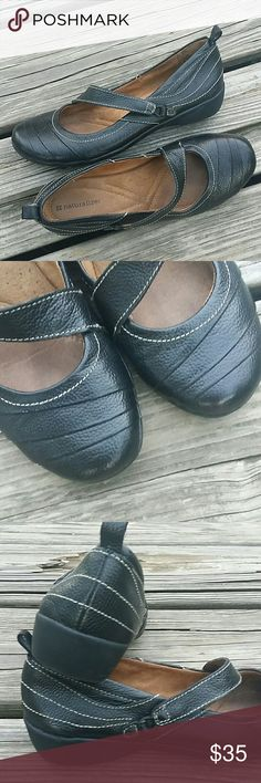 Naturalizer Mary Jane black genuine leather shoes Conditions are most like new. Naturalizer Shoes