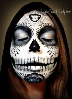 I want the paints to do this! Raiders Stuff, Raiders Girl, Nfl Raiders, Oakland Raiders Football, Raiders Wallpaper, Raider Nation, Skull Face, Airbrush Art, Sports Art