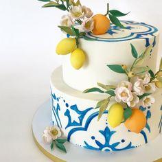 938 Likes, 27 Comments - Betsy Thorleifson (Betsy Thorleifson Nine Cakes) on Ins. 938 Likes, 27 Co Pretty Cakes, Beautiful Cakes, Lemon Party, Wedding Cake Inspiration, Team Bride, Love Cake, Creative Cakes, Shower Cakes, Cake Art