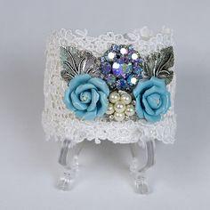 Lace Bohemian Cuff, via Etsy. Lace Jewelry, Textile Jewelry, Hippie Jewelry, Diy Jewelry, Jewelery, Jewelry Making, Unique Jewelry, Bridesmaid Bracelet, Bridal Bracelet