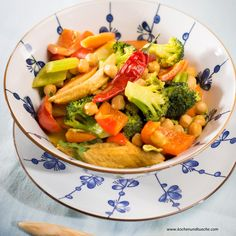Healthy Chicken and Broccoli Stir-fry Recipes That Will Delite Your AppetiteHealthy Chicken and Broccoli Stir-fryHealthy Chicken and Broccoli Stir-fryOur website is made possible Broccoli And Carrot Recipe, Broccoli Stir Fry, Fried Broccoli, Carrot Recipes, Broccoli Recipes, Vegetable Recipes, Broccoli Chicken, Healthy Chicken Stir Fry, Vegetable Stir Fry