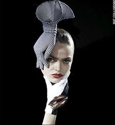 Simply stunning #hand #hat. Hard to wear and look good though, unless in a photo shoot.