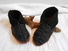 Center Seam Moccasins Black Leather Mocs by FaeMoonWolfDesigns