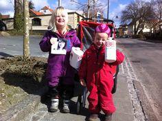 Fit for fight: Freja på 4 1/2 år og Nanna på 3 år samlede ind på Tårbæk Strandvej i Tårbæk #Landsindsamling #Visflaget