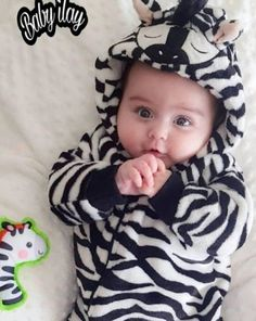54 Ideas cute baby boy pictures smile for 2019 Cute Baby Boy Photos, Cute Kids Pics, Cute Baby Videos, Baby Boy Pictures, Baby Images, Cute Little Baby, Baby Kind, Cute Baby Wallpaper, Rabbit Wallpaper
