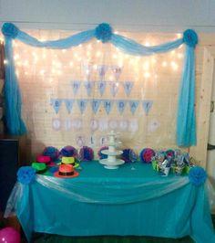 Frozen cake table!!!