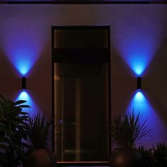 Philips Hue White and Color Ambiance LED-Wandleuchte Appear schwarz Philips Hue, Smart Home, Aluminium, Amazon Echo, Lighting Design, Outdoor, Color, Backyards, Photography