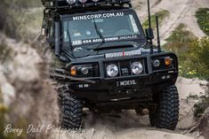 This fast tough looking 76 series Landcruiser wagon is known as the Black Knight and owned by a bloke called Anthony Collins and has be running 14 seconds on the quarter mile drag . Toyota Cruiser, Fj Cruiser, Landcruiser Ute, Land Cruiser 70 Series, Dirt Bike Racing, Range Rover Classic, Nissan Patrol, Car Goals, Toyota Trucks