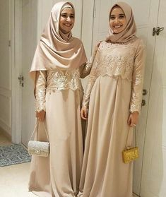 Kebaya Hijab, Kebaya Muslim, Muslim Dress, Model Kebaya, Bridesmaid Dresses, Prom Dresses, Brunette Girl, Prom Night, Abaya Fashion