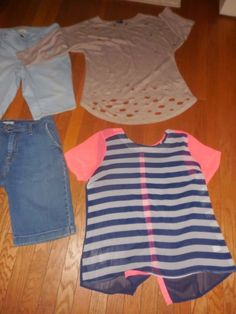 c789c97e31ed 6 LADIES Summer Tops AND LONG SHORTS CLOTHES LOT SIZE 12 VERY NICE LOT   LLBeanLevisAudreyAnnGrassFadedGlory