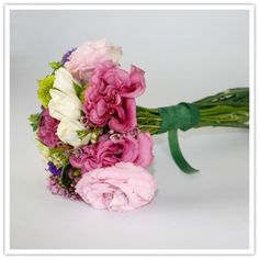 """how-to make a wedding bouquet! everything from vendor ideas to lessons in """"seasonality"""""""