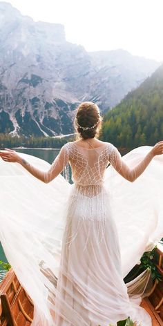 Rustic Wedding Dresses To Be A Charming Bride ★ See more: https://weddingdressesguide.com/rustic-wedding-dresses/ #bridalgown #weddingdress